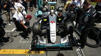 Mercedes po nehodě svých vozů zkontroloval 1200 dílů - anotační obrázek