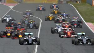 Souboje týmových kolegů ve Španělsku: Kolize Mercedesů a strategická chyba Ferrari - anotační foto