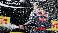 Max Verstappen, nejmladší vítěz Formule 1 slaví na pódiu v Barceloně