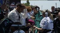 Lewis Hamilton před závodem v Barceloně