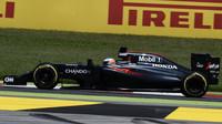 Fernando Alonso v závodě v Barceloně