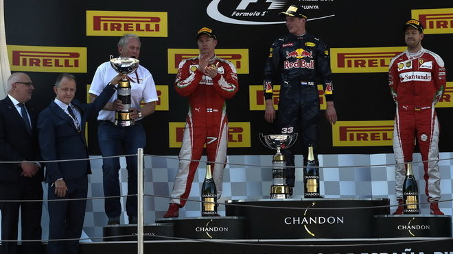 Vítězové na pódiu v Barceloně