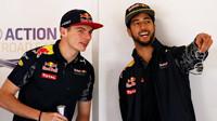 Max Verstappen a Daniel Ricciardo v Barceloně