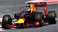 Daniel Ricciardo v závodě v Barceloně