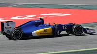 Felipe Nasr v závodě v Barceloně