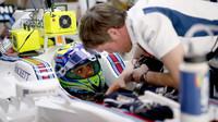 Felipe Massa a Rob Smedley před závodem v Barceloně