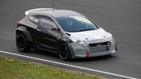 Sportovní Hyundai i30N na testovací trati
