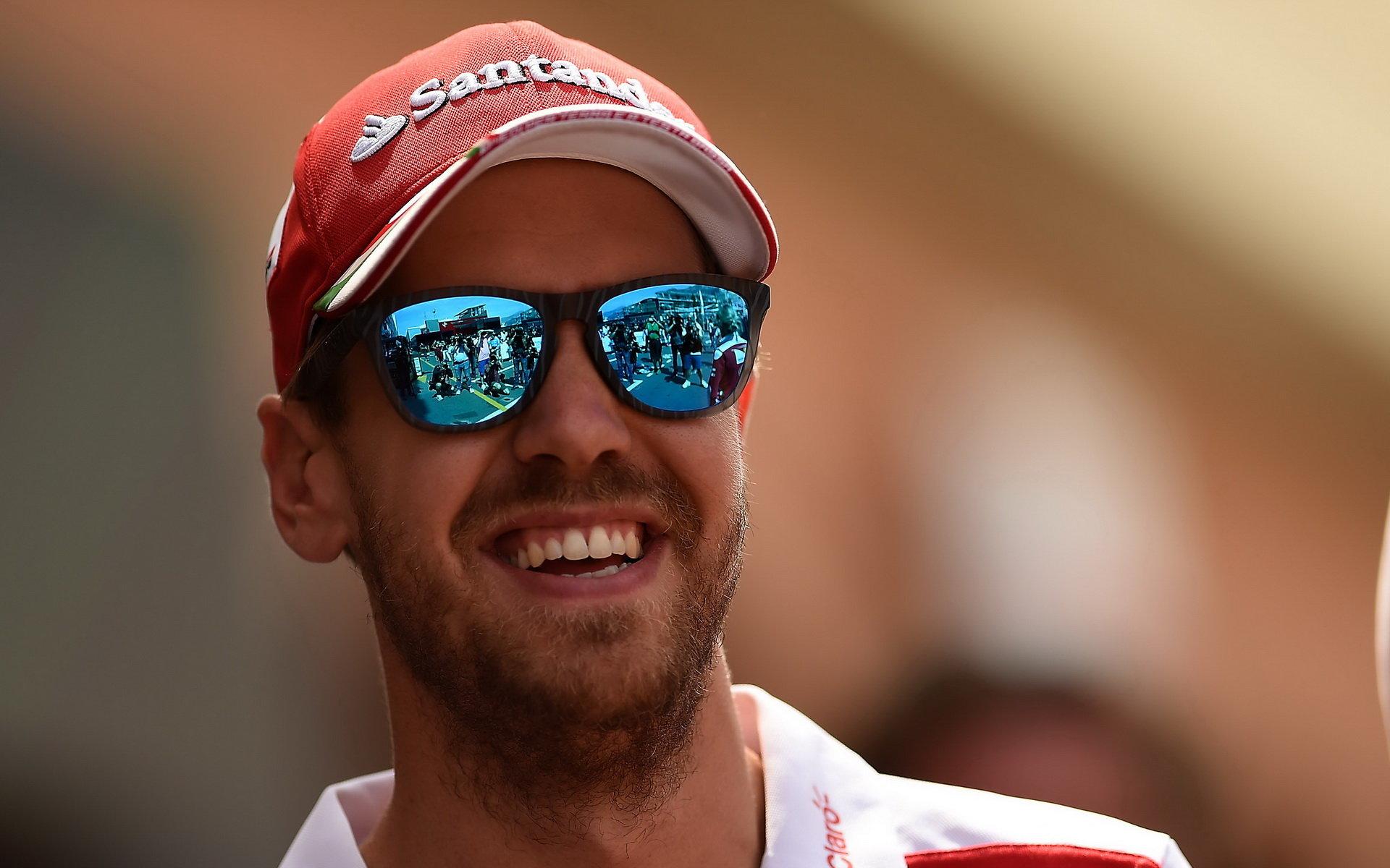 Vettel nevidí důvod, proč by měl jeho týmový kolega odejít - anotační foto