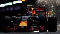 Max Verstappen jiskří při tréninku v Monaku