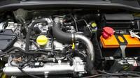 Renault Clio RS16 je důkazem, že v Dieppe ještě nezapomněli dělat řidičské hatchbacky.