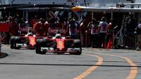Sebastian Vettel a Kimi Räikkönen při kvalifikaci v Monaku
