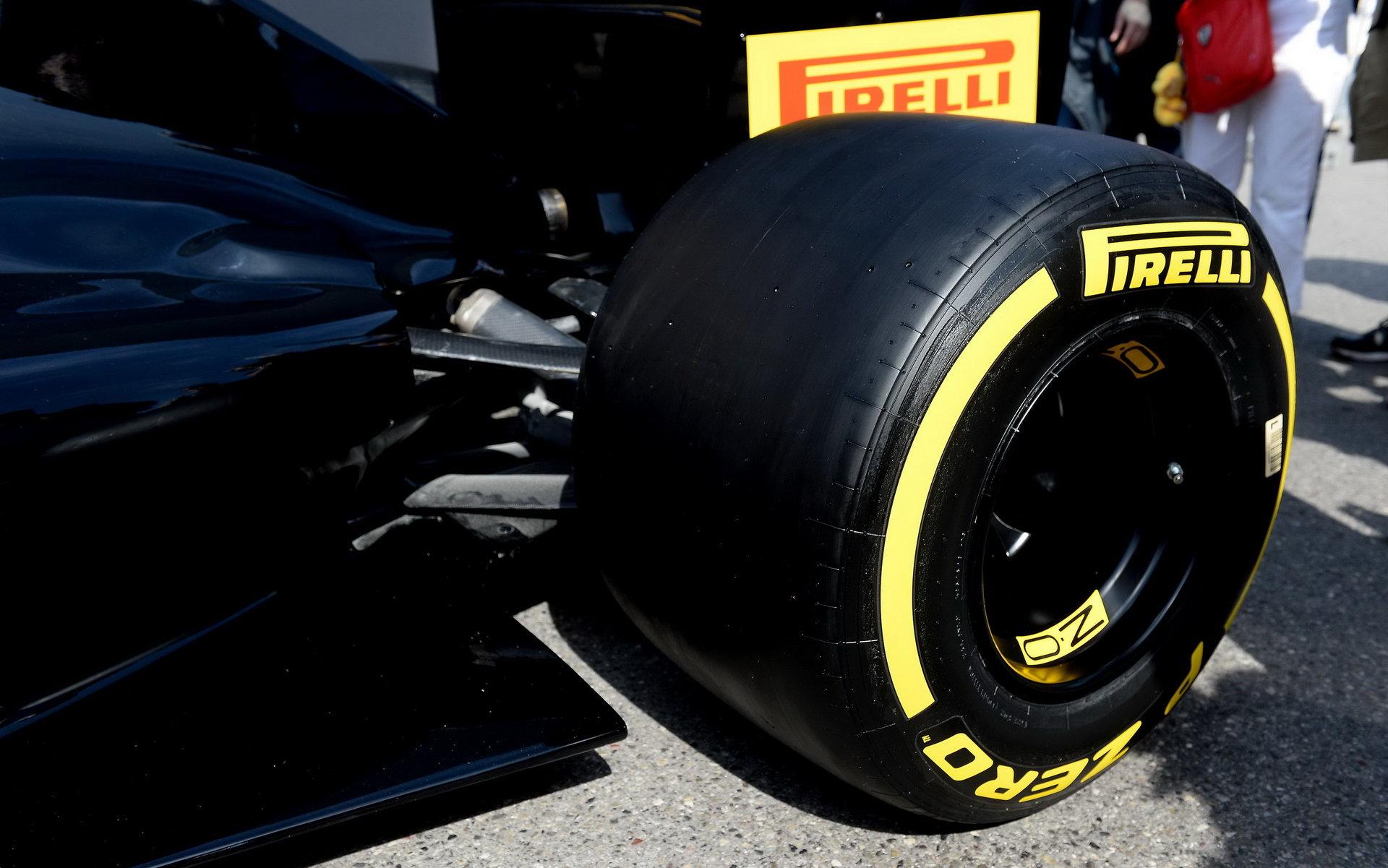 Pirelli umožnilo první seznámení s pneumatikami pro rok 2017 + FOTO - anotační foto