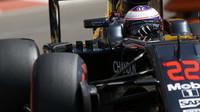 Jenson Button v závodě v Monaku