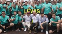 Vítězný tým Mercedesu v Monaku
