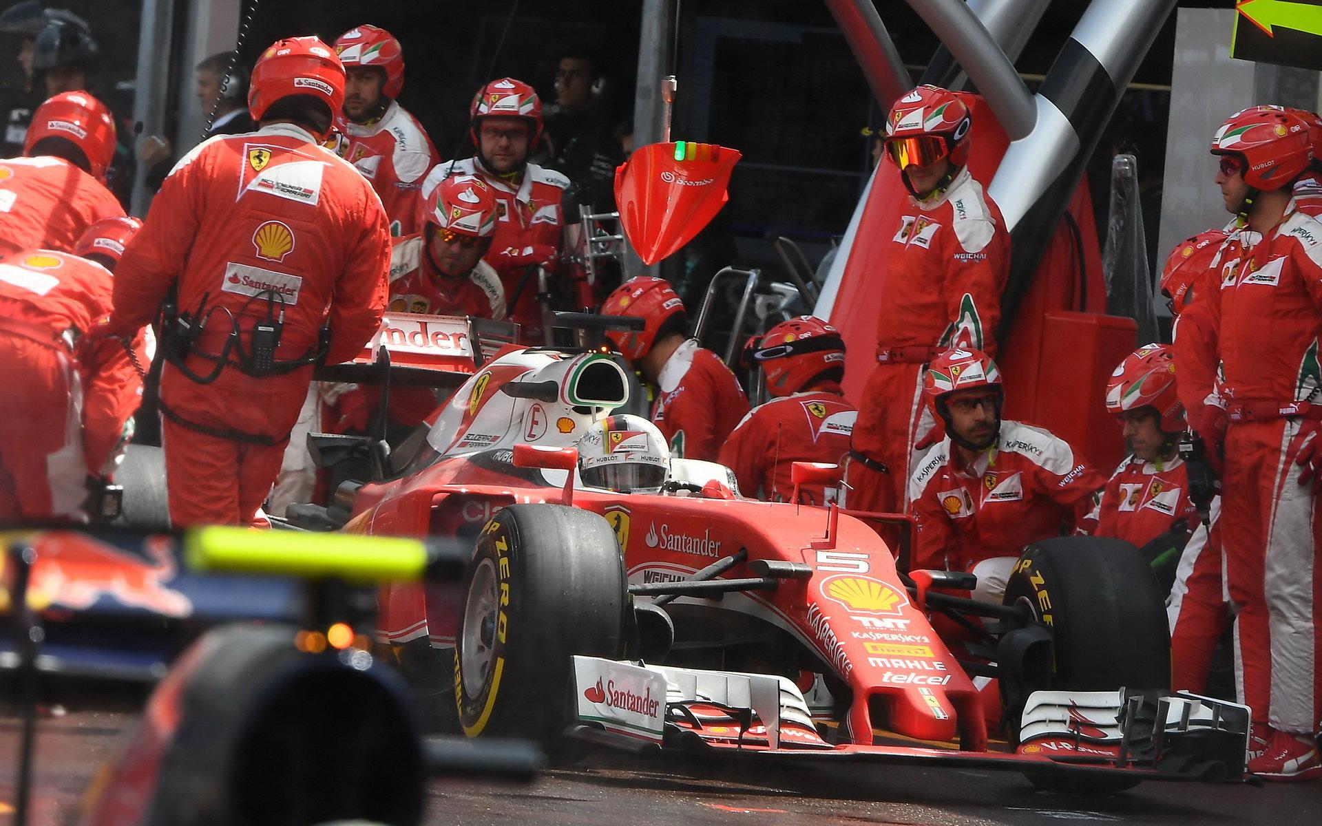 Ferrari před Kanadou zvažuje další vylepšení motoru - anotační foto