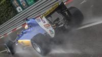 Marcus Ericsson za deště v závodě v Monaku