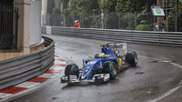 Marcus Ericsson v závodě v Monaku