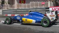 Felipe Nasr v závodě v Monaku
