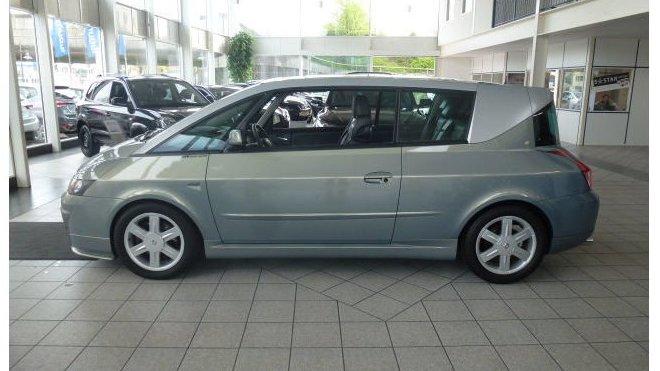 Úžasně zachovalý Renault Avantime je nyní na prodej v Německu.