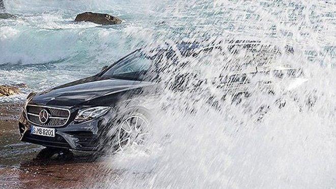 Mercedes-Benz E nové generace na prvním snímku
