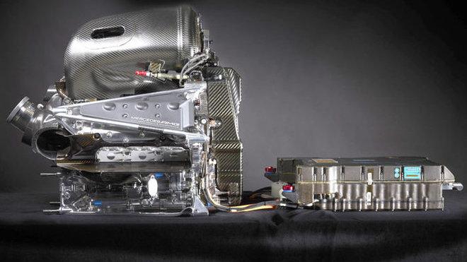 Pohonná jednotka Mercedesu s bateriemi