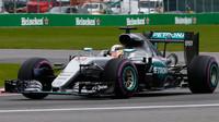 Dnes v dvojitém vydání: Alkohol a rádio hýbají F1 - anotační foto