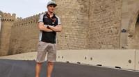 Nico Hülkenberg se seznamuje s tratí v Baku