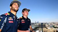 Daniel Ricciardo a Max Verstappen v Baku