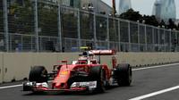 Kimi Räikkönen při tréninku v Baku