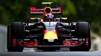 Max Verstappen při tréninku v Baku