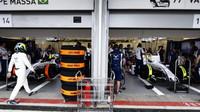 Felipe Massa a Valtteri Bottas při tréninku v Baku