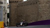 Carlos Sainz při tréninku v Baku