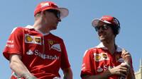 Kimi Räikkönen a Sebastian Vettel v Baku