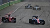 Pascal Wehrlein a Kimi v závodě v Baku