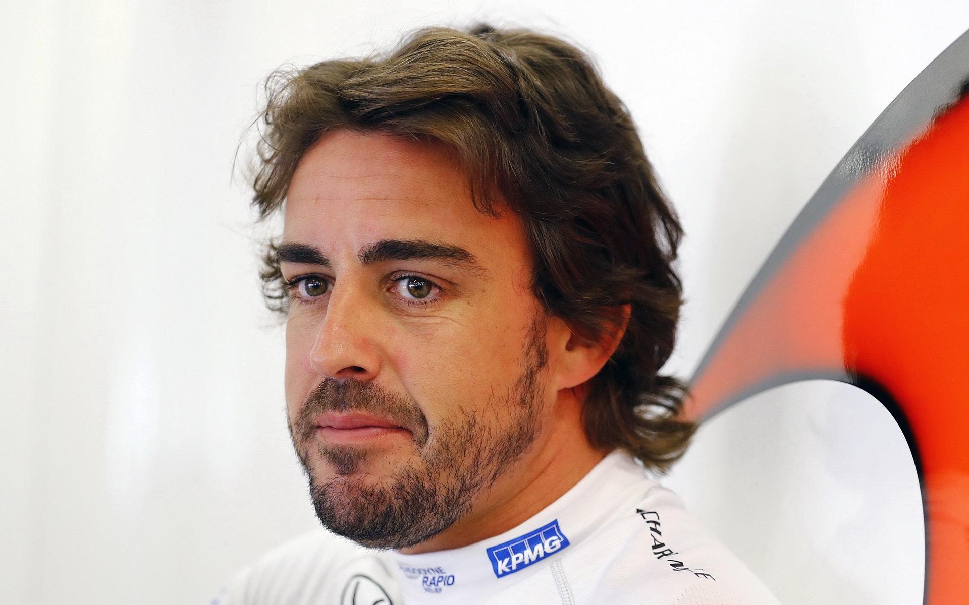 Boullier: Alonso má v závodě dokonalý přehled, předčasně neodejde - anotační obrázek