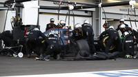 Jenson Button v závodě v Baku