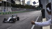 Nico Rosberg v cíli závodu v Baku
