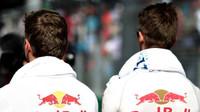 Max Verstappen a Daniil Kvjat v Baku
