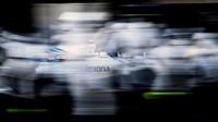 Valtteri Bottas v závodě v Baku