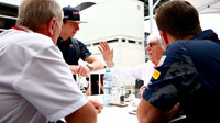 Helmut Marko, Max Verstappen, Bernie Ecclestone a Christian Horner v Baku