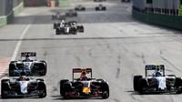 Předjíždění v závodě v Baku