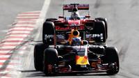 Daniel Ricciardo a Sebastian Vettel - každý má nadále svůj názor