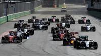 Souboje týmových kolegů v Baku: Tlačítka na volantu a Rosbergův grand slam + video - anotační obrázek