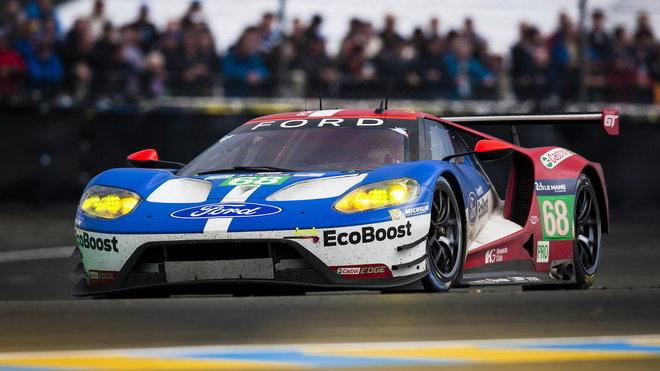 Ford GT #68 zvítězil ve 24 hodinovém závodě v LeMans.v roce 2016
