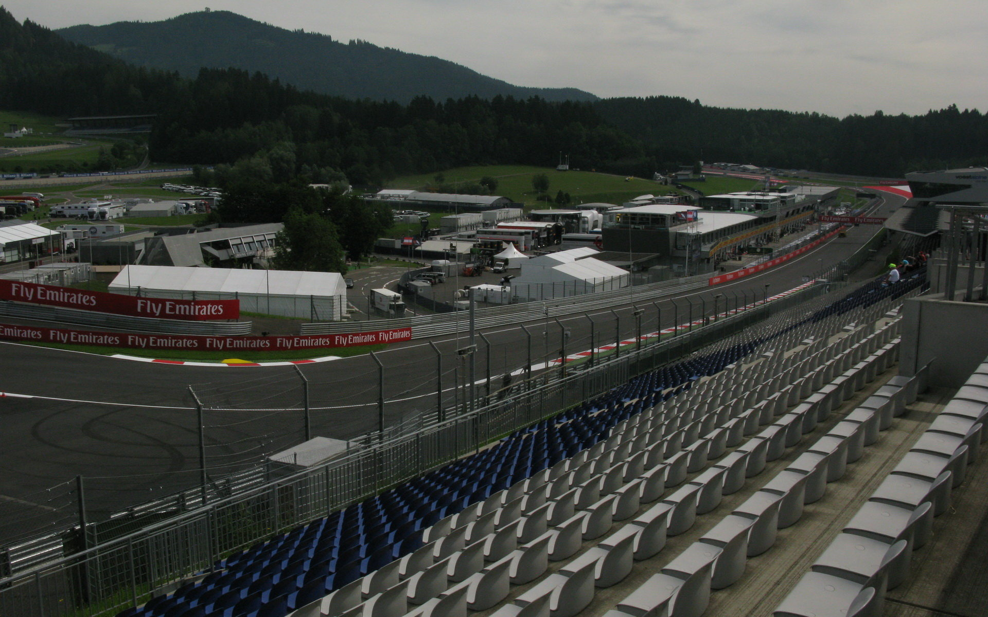 Začíná se rýsovat podoba kalendáře F1 2017. Kolik se pojede závodů? - anotační obrázek