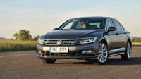 TEST: Volkswagen Passat 2.0 TSI (206 kW) R-Line: Svalnatý elegán - anotační foto