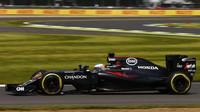 Druhé nejrychlejší kolo závodu zajel Alonso, vklínil se mezi Mercedesy - anotační obrázek