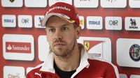 Vettel má privilegia jako Schumacher, proto chrání Räikkönena. A dost možná i sebe - anotační obrázek