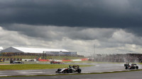 Deštivý závod v Silverstone