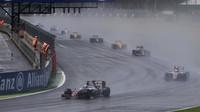Po startu závodu v Silverstone